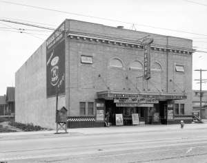 Bu N332 - [Windsor Theatre at 25th Avenue and Main Street] 1927? W J Moore