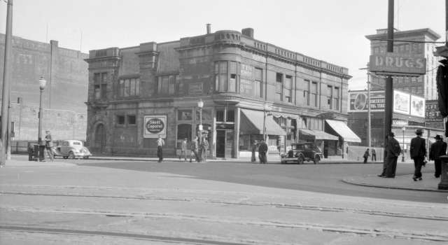 CVA 447-44 - Oyster Bay Cafe Building Carrall Street and Cordova Street ca 1947 W E Frost