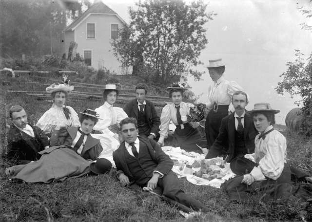 SGN 175B - [Group of men and women assembled for a picnic on the lawn in front of the Vancouver Waterworks Company house in Stanley Park] 1890?