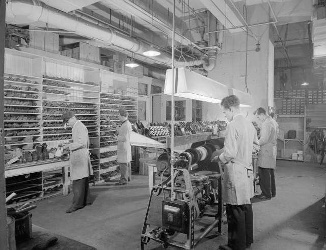 CVA 586-7136 - Hudson's Bay Co. Shoe Clinic, Granville St. - shoe repairing 1946 Don Coltman