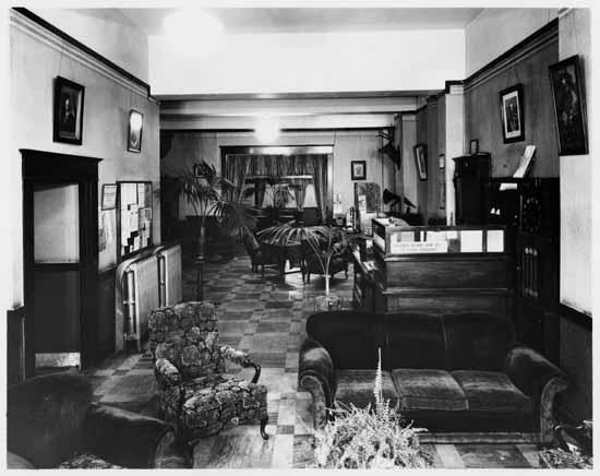 vpl 8963a the lobby of the hotel hudson 1927 stuart thomson
