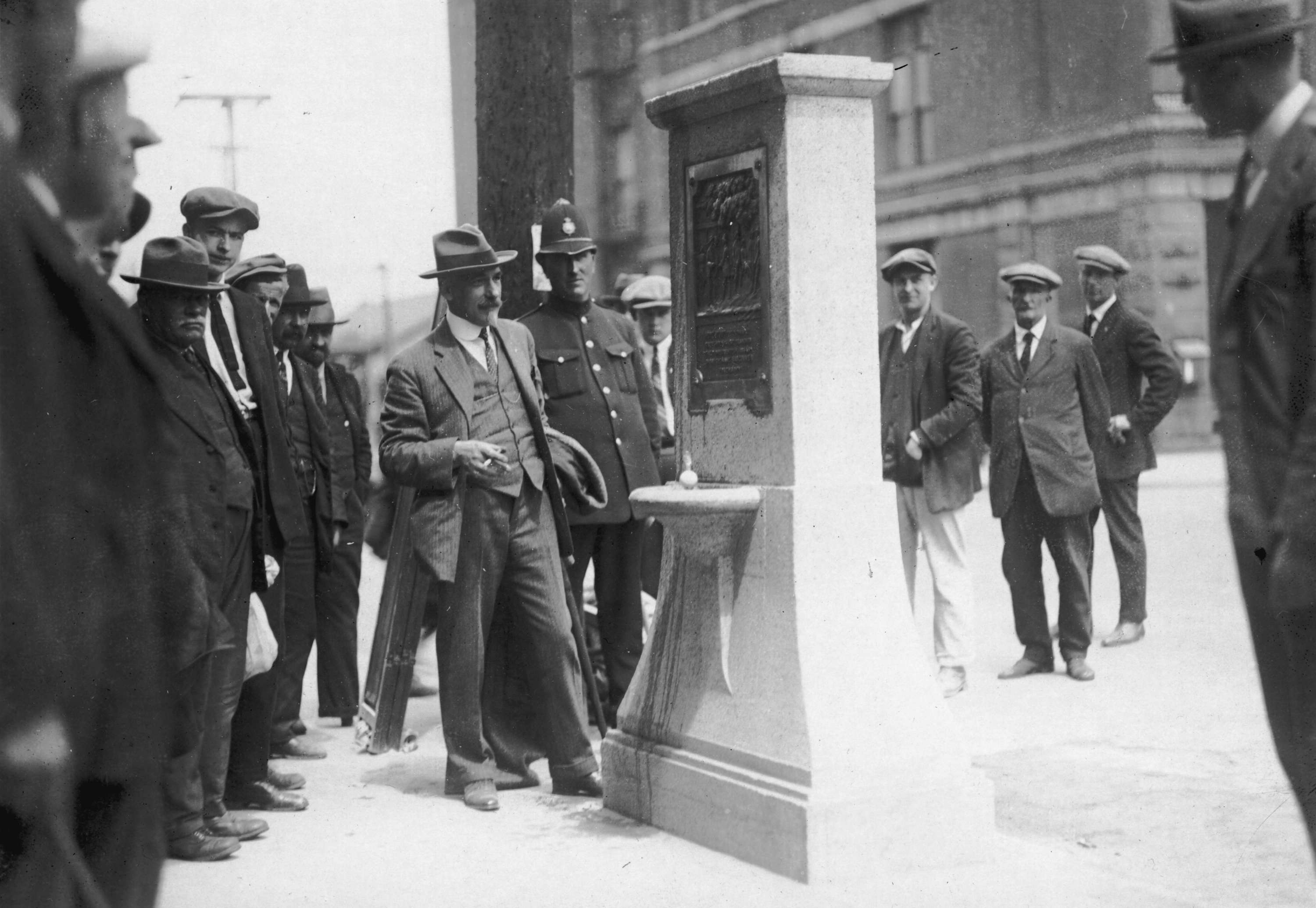 CVA 677-167 - Drinking fountain at Powell and Carrall Streets [Maple Tree monument] 1928