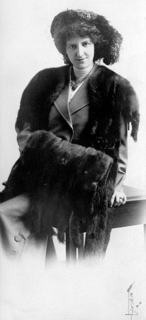 CVA 174-12 - Portrait of Bertha Goudron ca1900